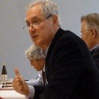 Dr Geoffrey  Edwards